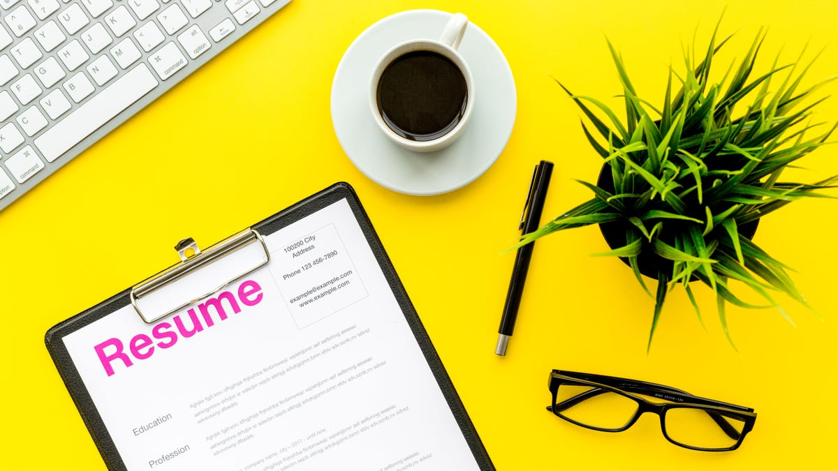 52 Words to Include to Make Your Resume Stand Out