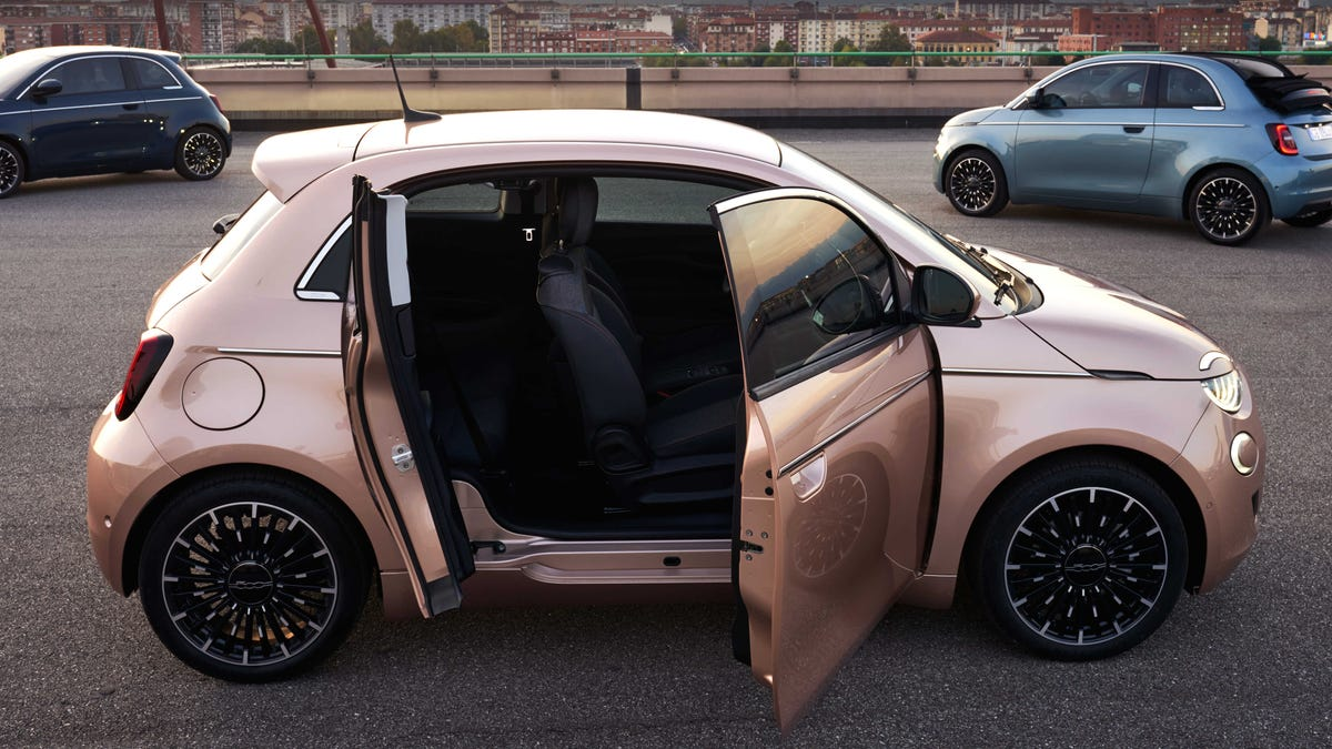 We Don't Deserve The Electric Fiat 500 3+1