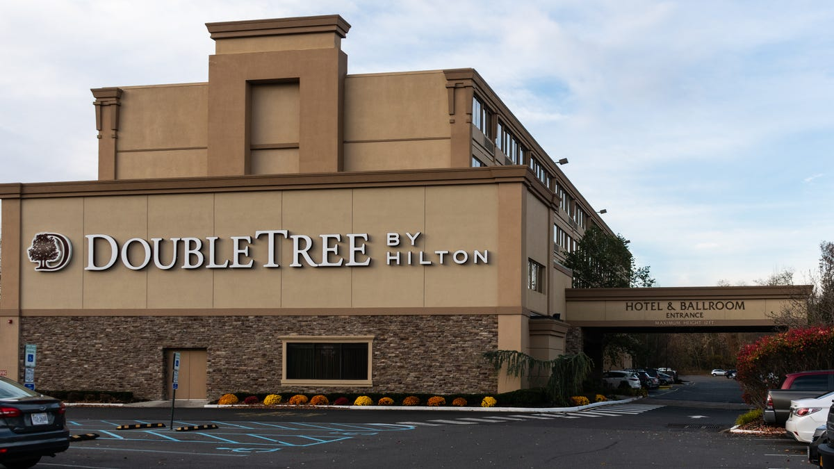 Man Kicked Out of Portland Doubletree for 'Calling His Mom While Black' Files $10 Million Lawsuit Claiming Systemic Racial Discrimination