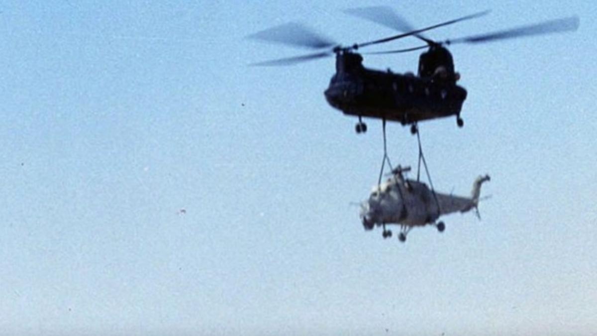 El día que la CIA robó un helicóptero soviético colgándolo de otro helicóptero
