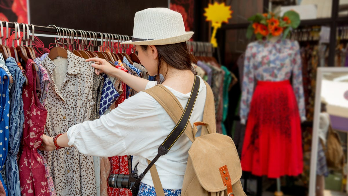Quickly Locate Hard-to-Find Items With This Search Engine for Vintage Clothing