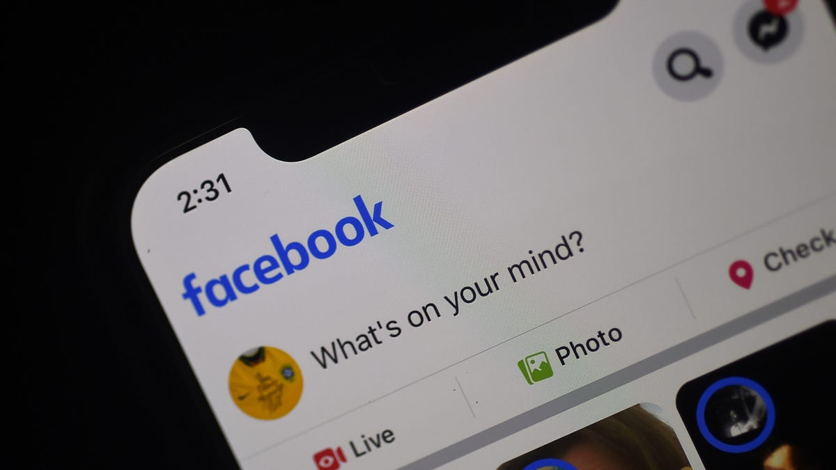 Facebook's Reportedly Working on a Smartwatch so It Can Hoover Up Your Health Data Too - Gizmodo