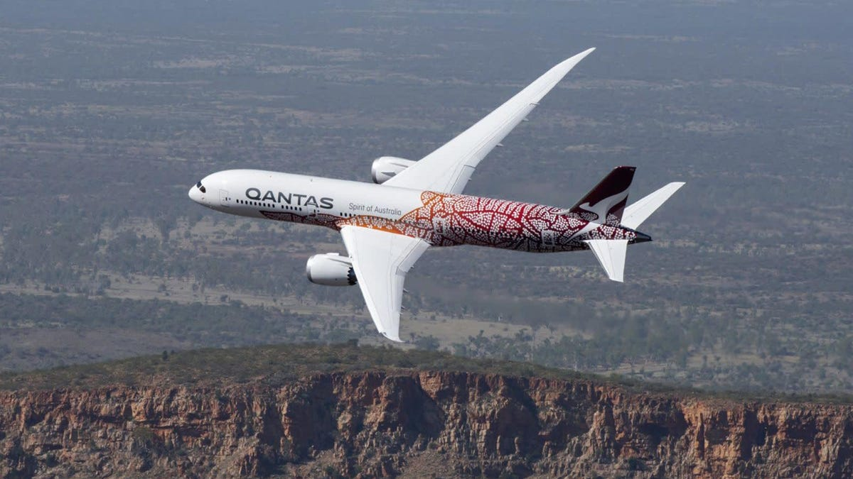 The World's Longest Flight Sounds Absolutely Terrible