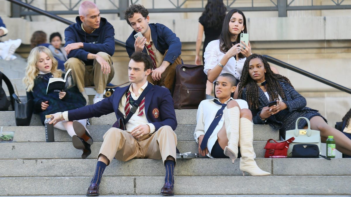 The Gossip Girl Reboot's Prep School Uniforms Are a Perfect Evolution of Its Iconic Aughts Attitude