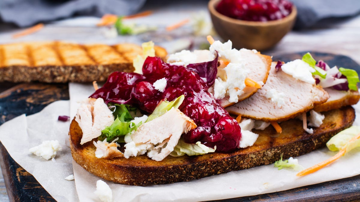 We Should Eat Cranberry Sauce All Year