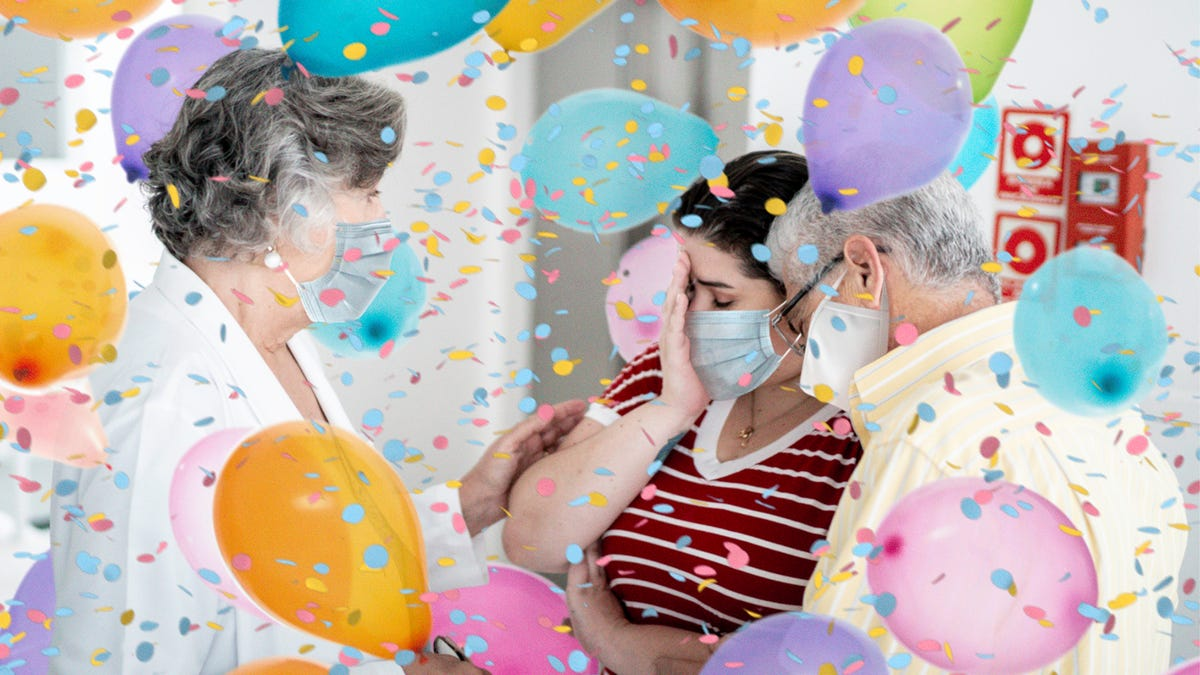 Balloons, Confetti Fall Onto Grieving Family As Grandmother Becomes 500,000th Covid Death - the onion
