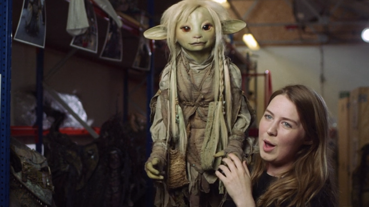 The Puppeteer Behind Dark Crystal's Deet Has an Adorable Story Behind Her Audition