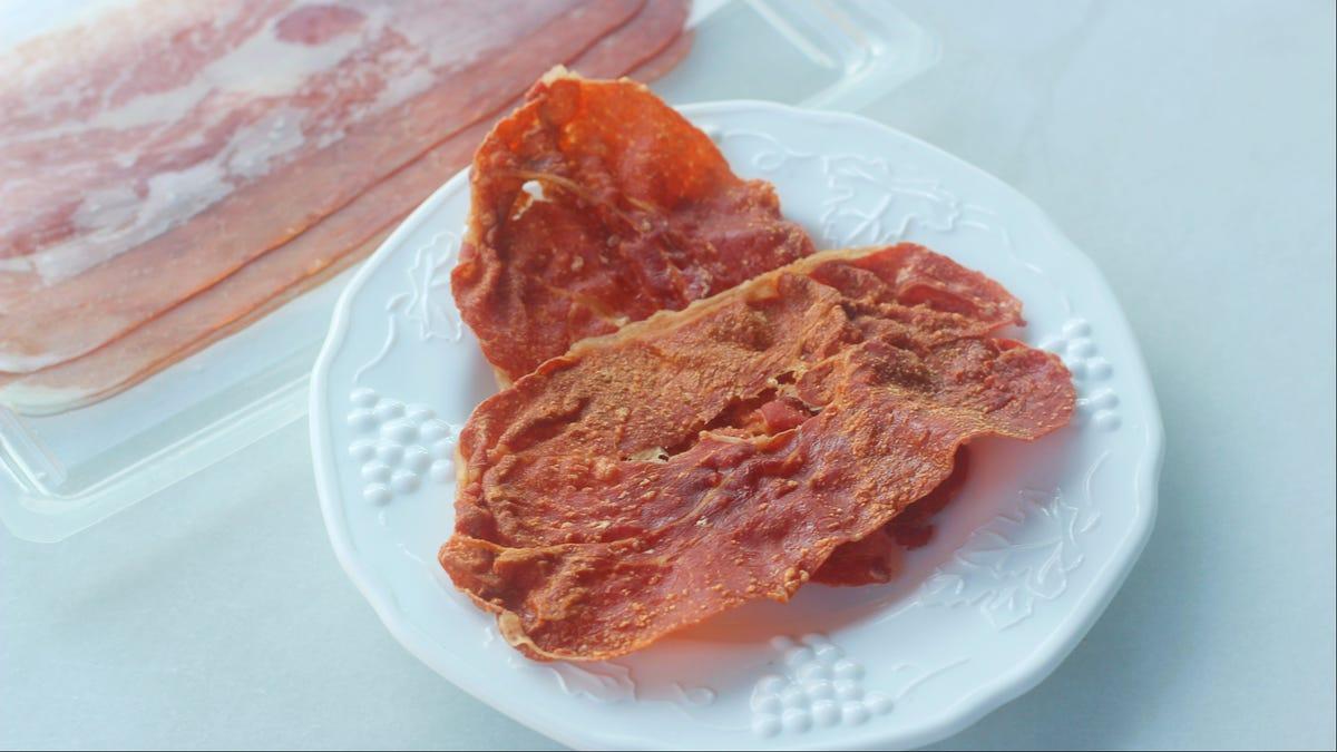 Make Prosciutto Crisps in Your Microwave
