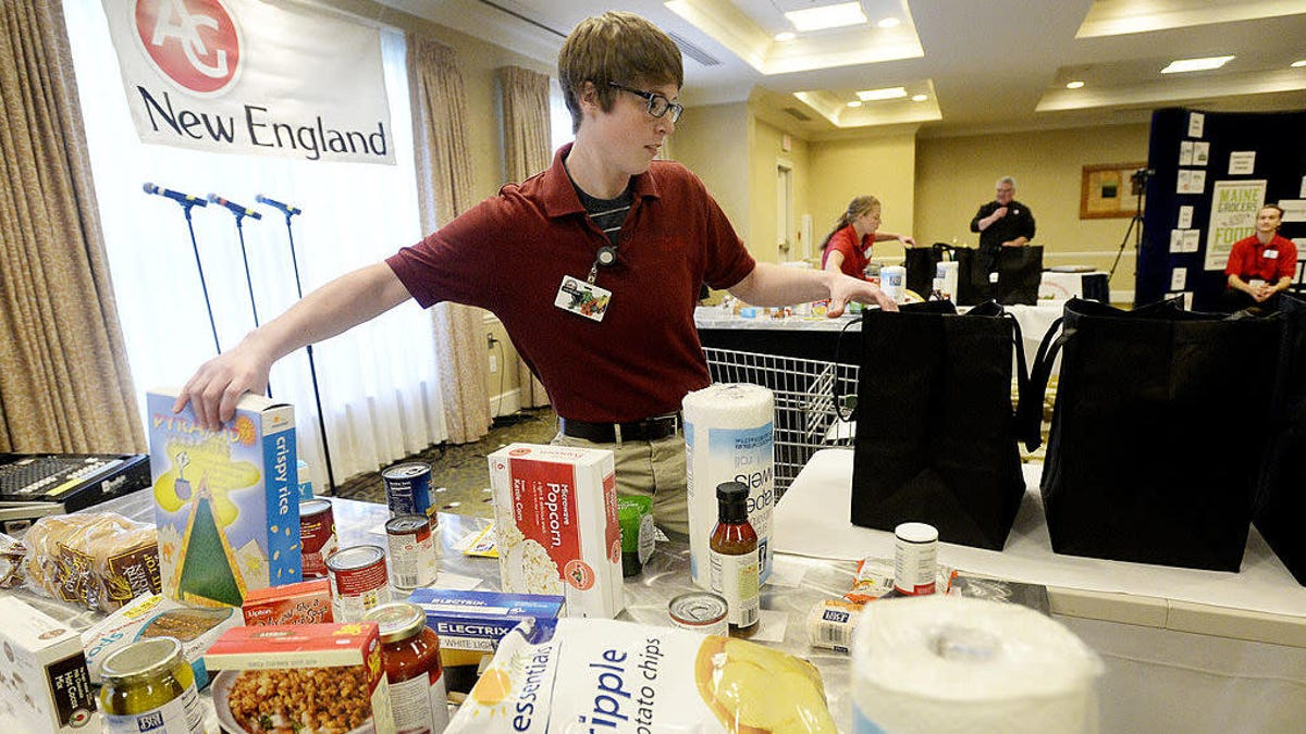 Grocery baggers finally get their due at the national Best Bagger Championship