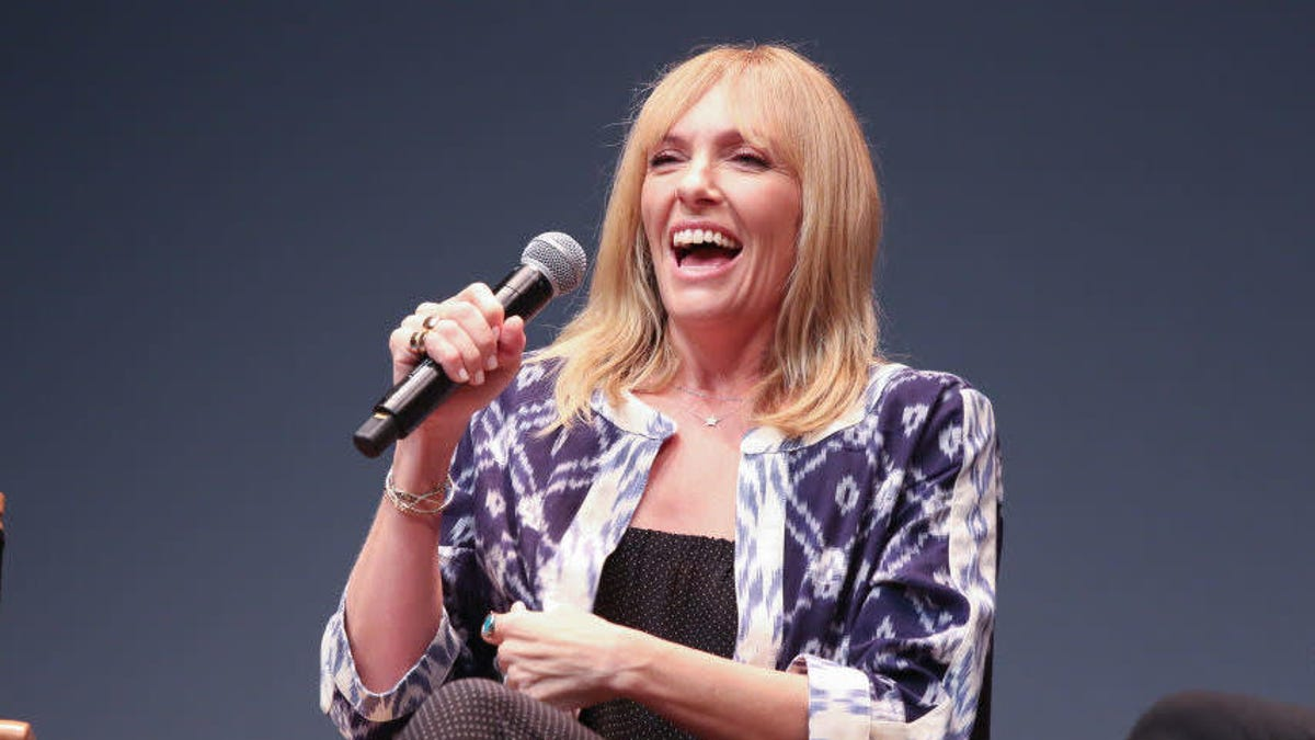 Hey Toni Collette, is a hot dog a sandwich?