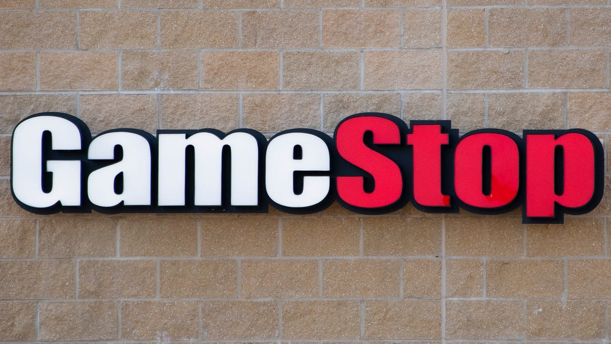 Here's what's going on with Reddit and GameStop's stock price