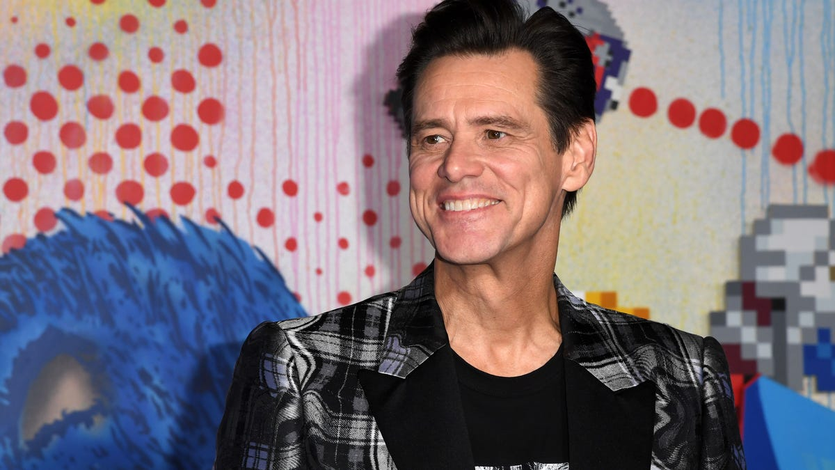 Jim Carrey, Supporting Actor from Sonic the Hedgehog, Makes Creepy Remark to Unsuspecting Journalist [Updated]
