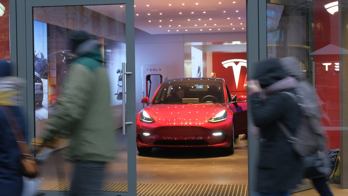 A $25,000 Tesla Could Be Awfully Convincing