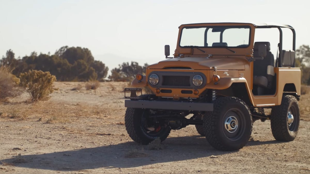 This Toyota FJ40 Looks Spartan But Has It Where It Counts