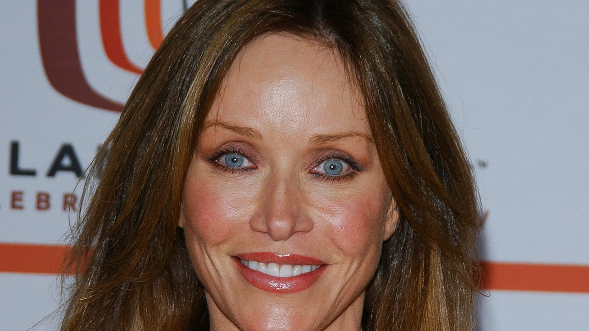 Tanya Roberts Is Still Alive, Contrary to What Her Rep Told Everyone 24 Hours Ago