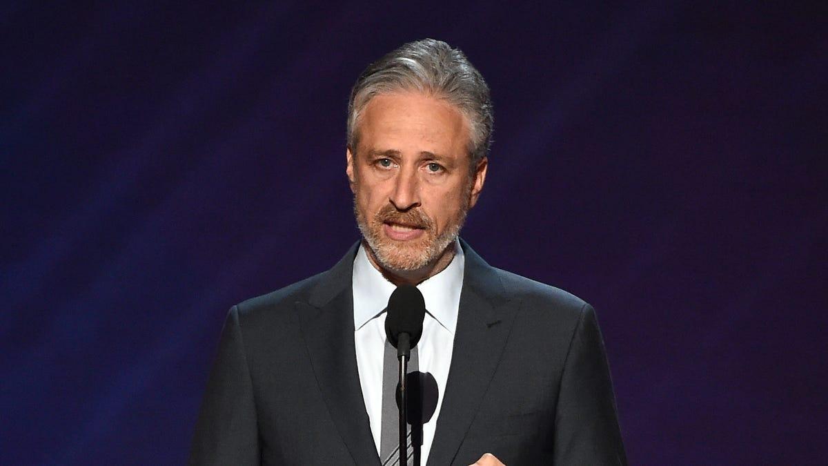 "The Reddit ""stonks"" story is so powerful, it sucked Jon Stewart onto Twitter"