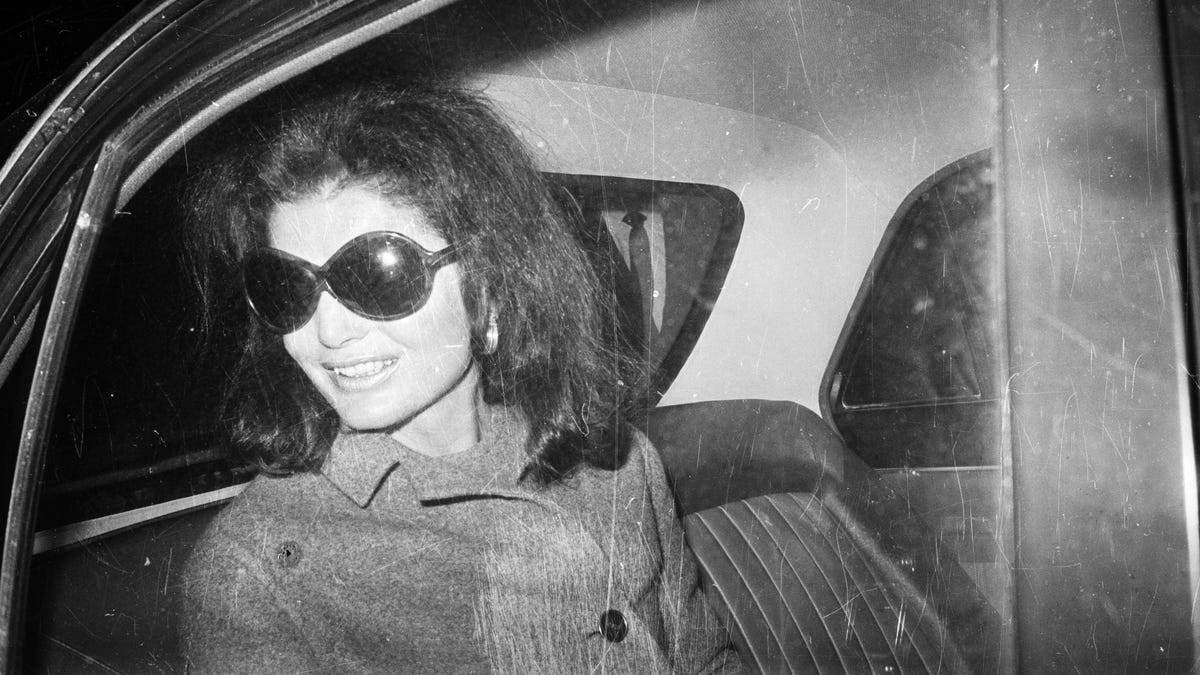 Jackie Kennedy Does Not Seem to Have Been a Very Good Friend to Carly Simon