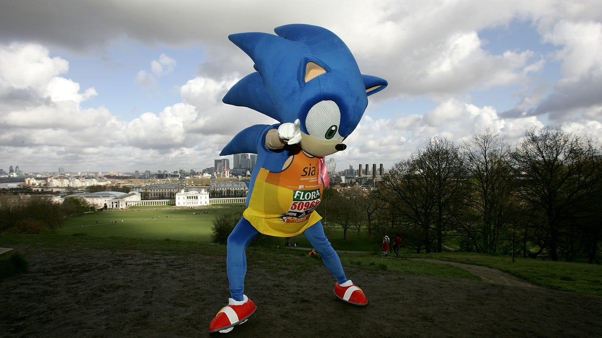 Sonic The Hedgehog Looks Weird As Hell In The First Poster For His Movie
