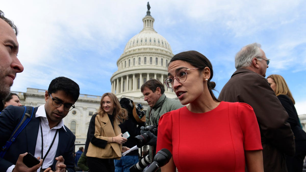 Alexandria Ocasio-Cortez's Plan to Get the US Off Fossil Fuels Is Gaining Steam