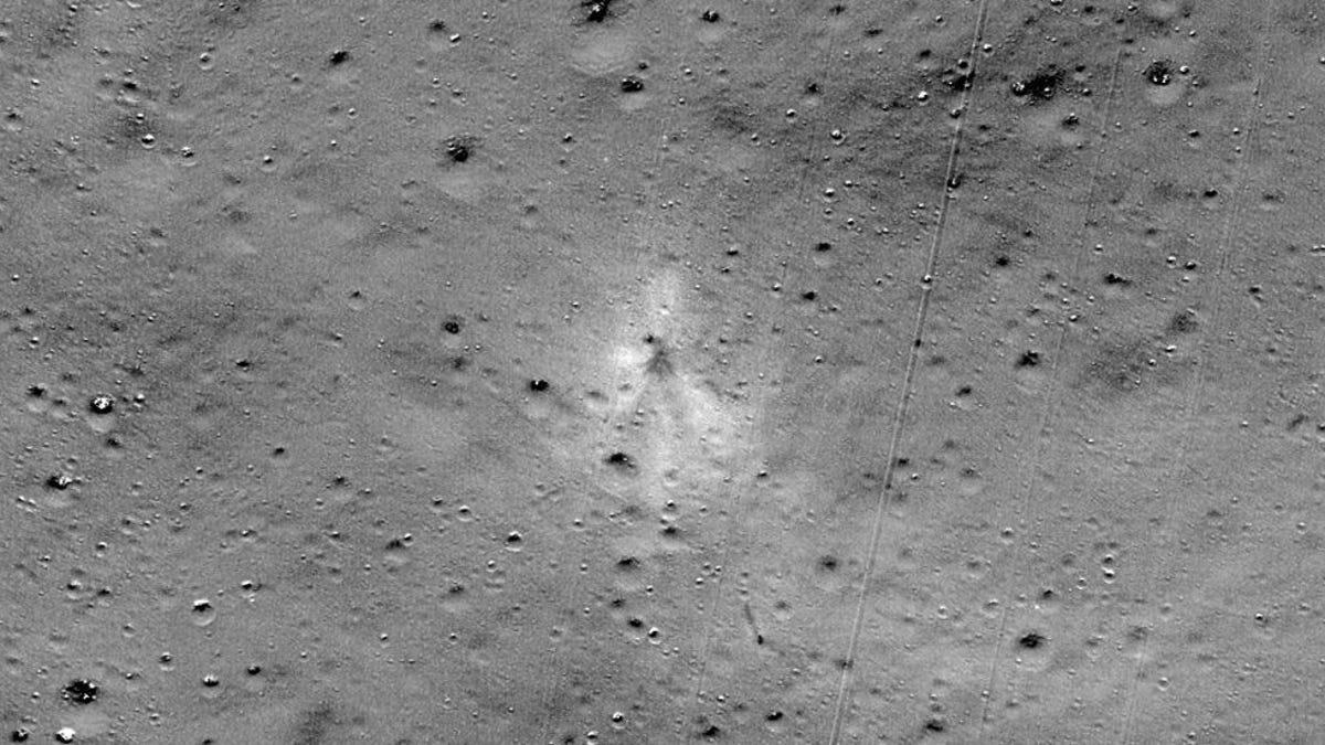 Amateur Space Enthusiast Helps NASA Locate Crashed Indian Lunar Lander