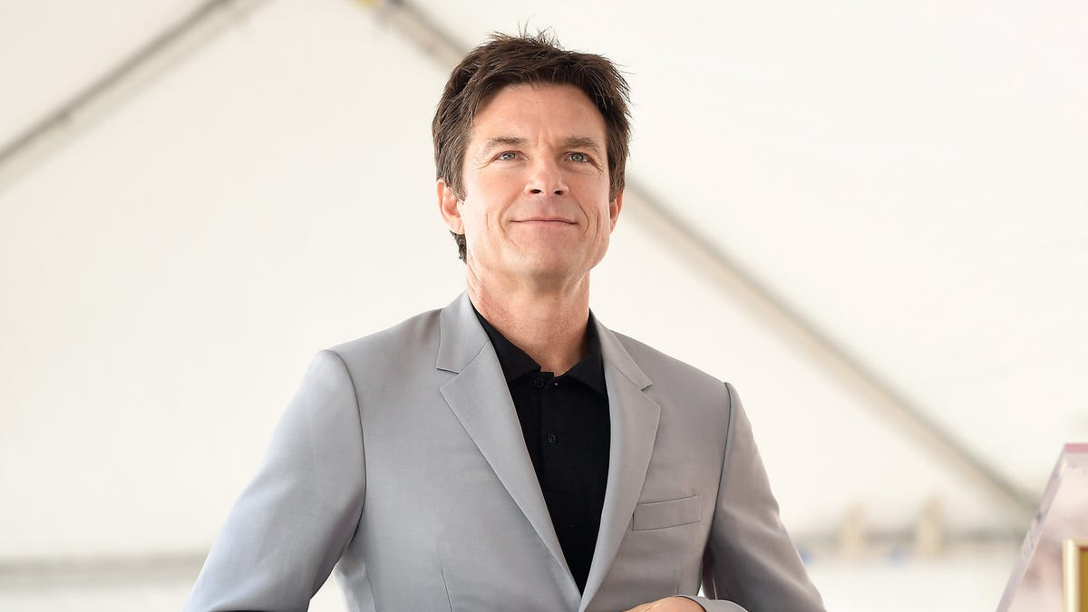 Jason Bateman Will Adapt Superworld, a Story Where Everyone Has Superpowers Except One Guy