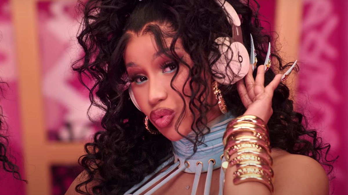 """Cardi B says someone """"dropped the ball"""" on getting """"Up"""" on iTunes"""