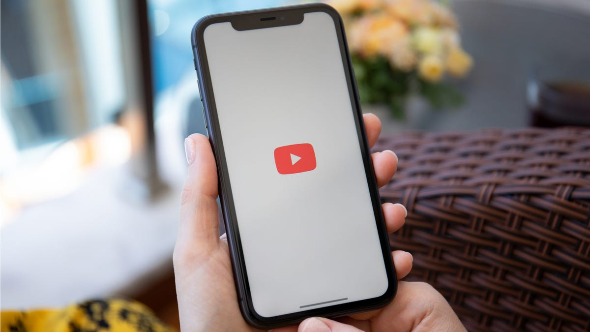 How to Get Around YouTube's Block of Picture-in-Picture Mode in iOS 14 - Lifehacker