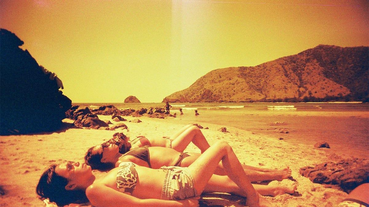 Por qué tomar el sol para que tu cuerpo sintetice más vitamina D no es una buena idea