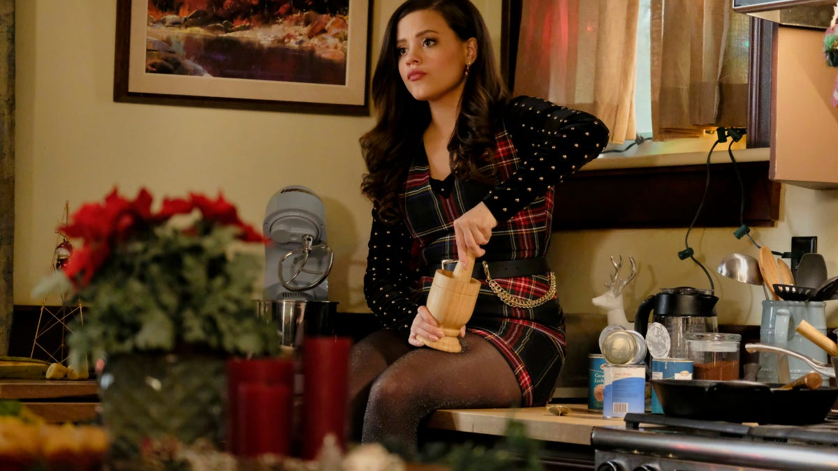 Supernatural Christmas Episodes.Maggie Carries The Emotional Weight Of Charmed S Busy