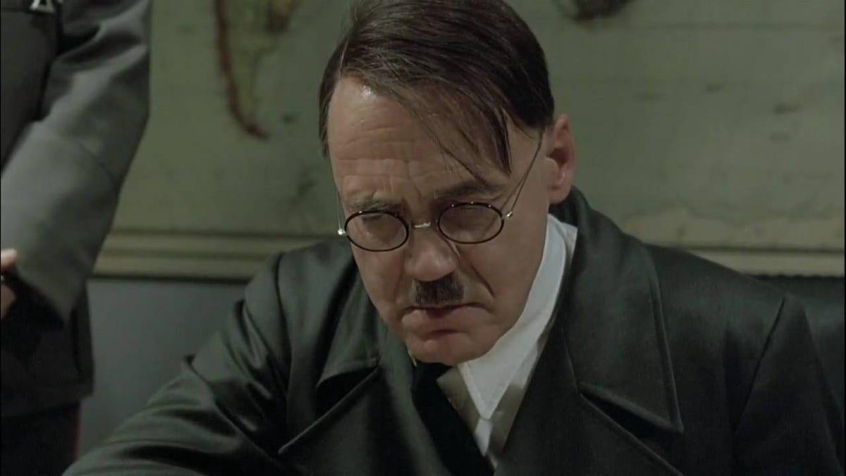 Un empleado de BP gana una intensa batalla legal tras publicar un meme de Hitler sobre sus jefes