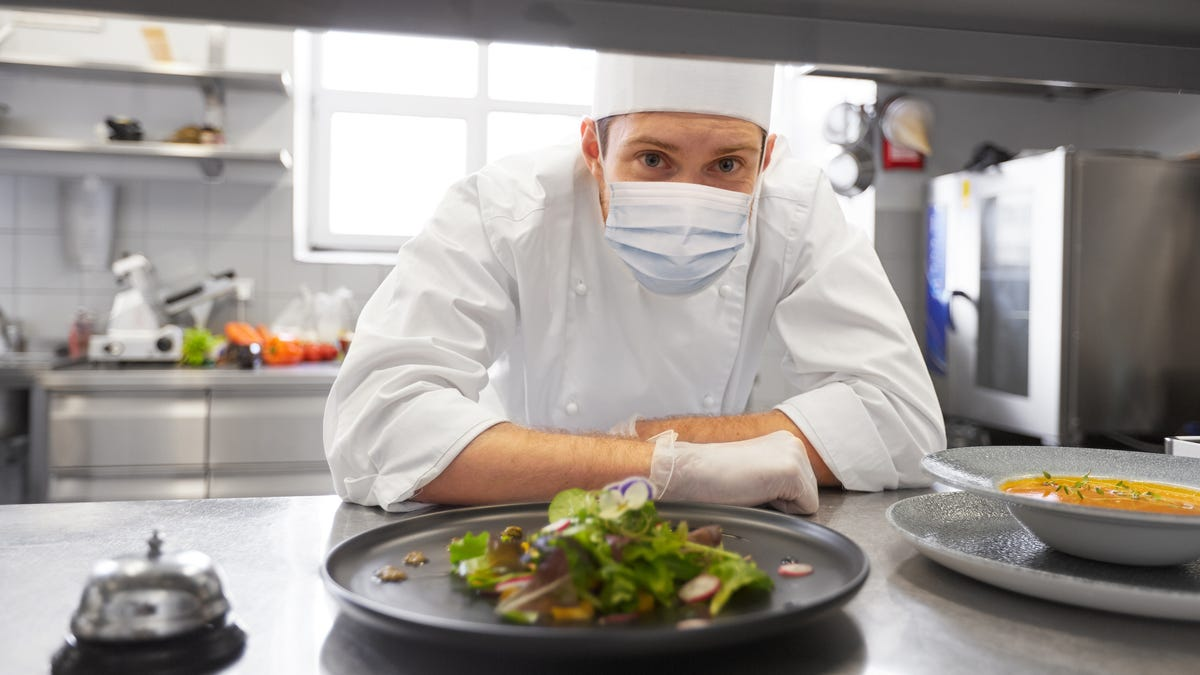 Take These Precautions Before Going to a Restaurant