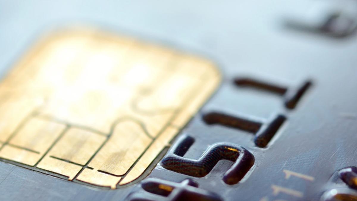 Cách chọn thẻ tín dụng có bảo đảm