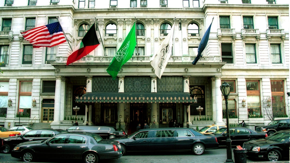 New York S Plaza Hotel Is Offering A Pricey Home Alone 2 Anniversary Package