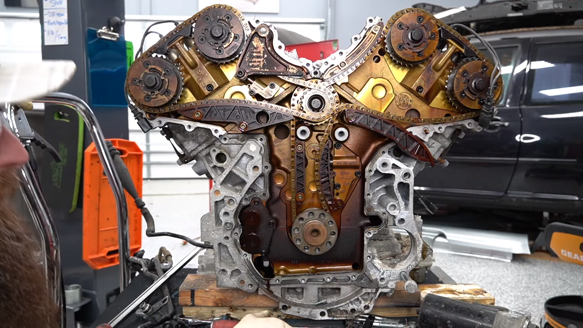 This Is What The Inside Of The Infamously Unreliable Volkswagen W8 Engine Looks Like