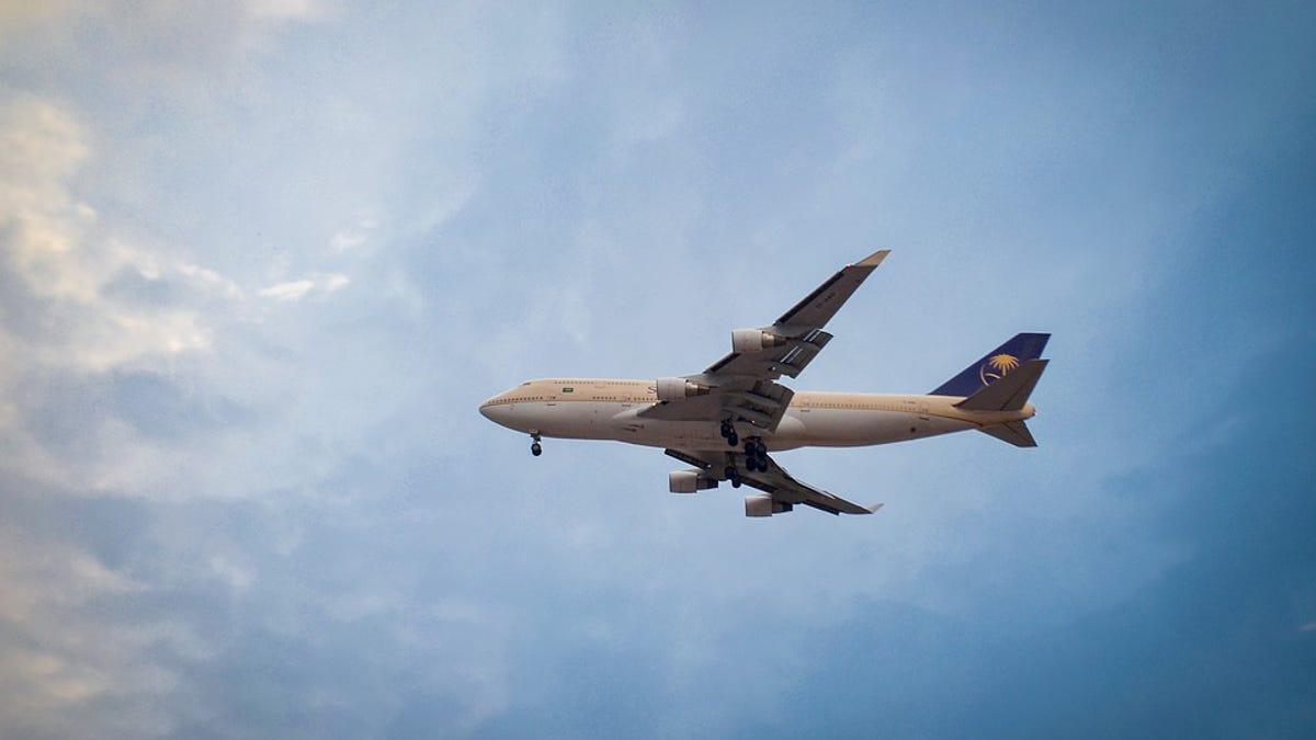 ¿Cuál es la ciudadanía de un bebé que nace en mitad de un vuelo?