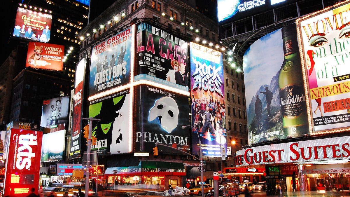 How to Watch Broadway Shows Like Cats and Sweeney Todd at Home For Free