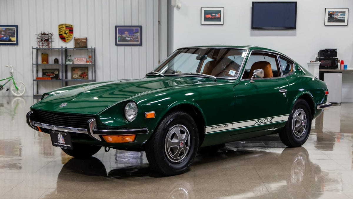 In The Year 2020 Maybachs Cost $30,000 And Old Datsuns Are $300,000