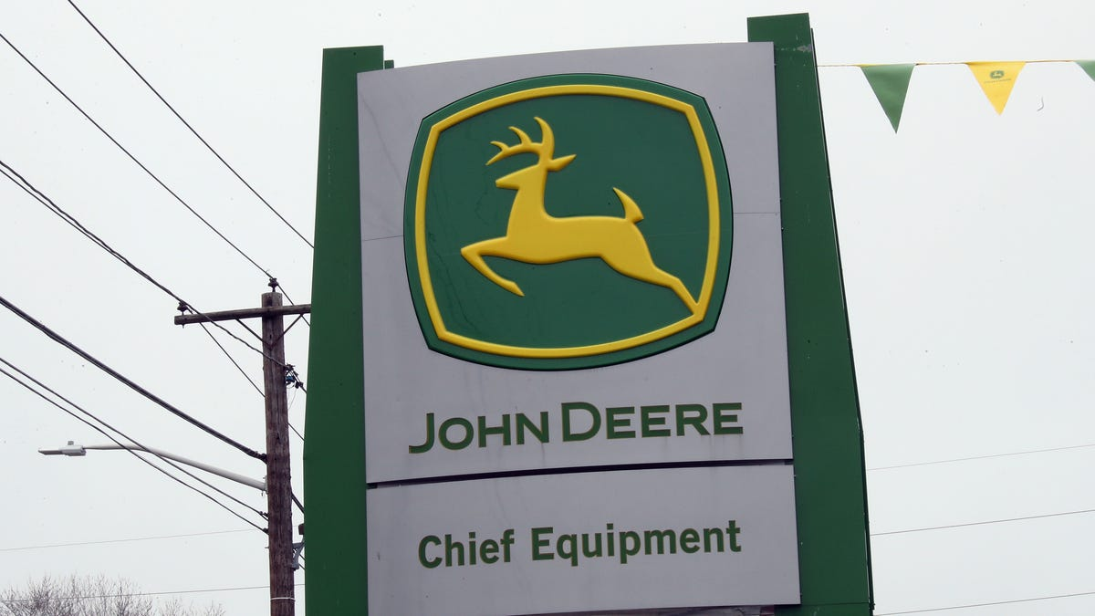 John Deere Lied For Years About Making Its Tractors Easier To Service