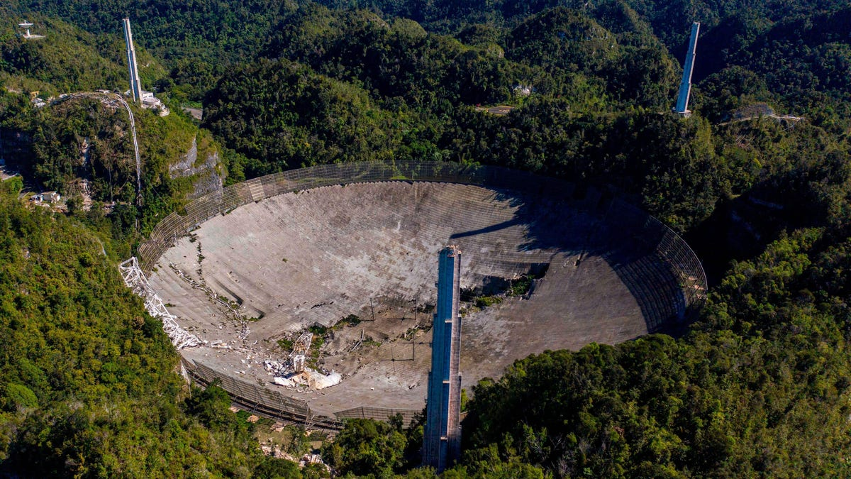 Drone Video Shows Dramatic Moment of Arecibo Observatory Collapse