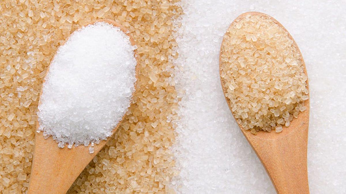que engorda mas el azucar moreno o blanco
