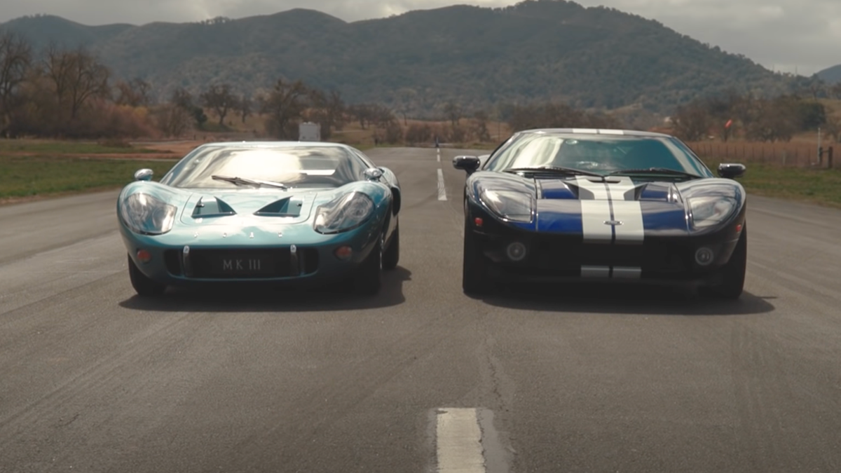 Watch This 1967 Ford GT40 Mark III Drag Race Its Younger Competition