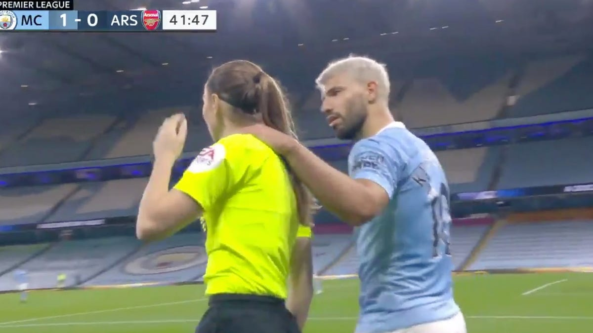 Sergio Aguero putting arm around female ref is wrong and Premier League needs to step in