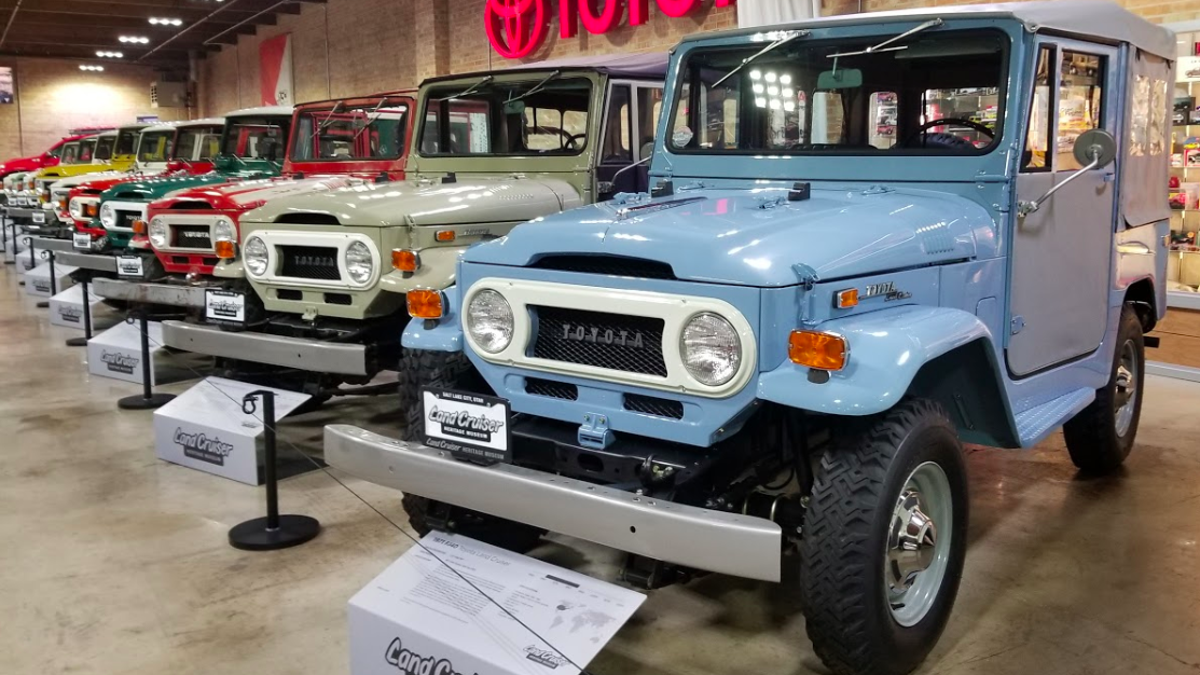 A Look At Some Of The Toyota Land Cruiser FJ40's Fascinating Hardware