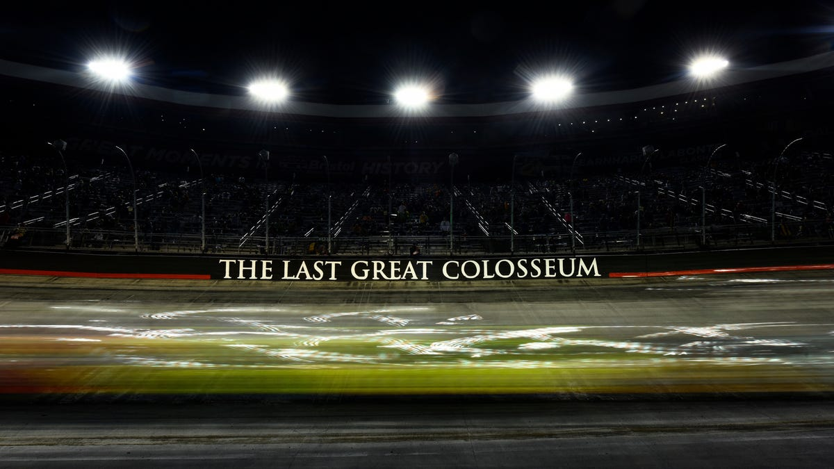 NASCAR's Bristol Dirt Race Is Going To Be Absurdly Complicated - Jalopnik