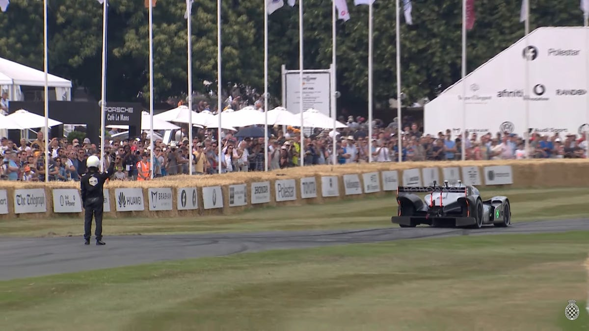 Watch the Roborace DevBot 2.0 Race up the Hill at Goodwood Without a Driver
