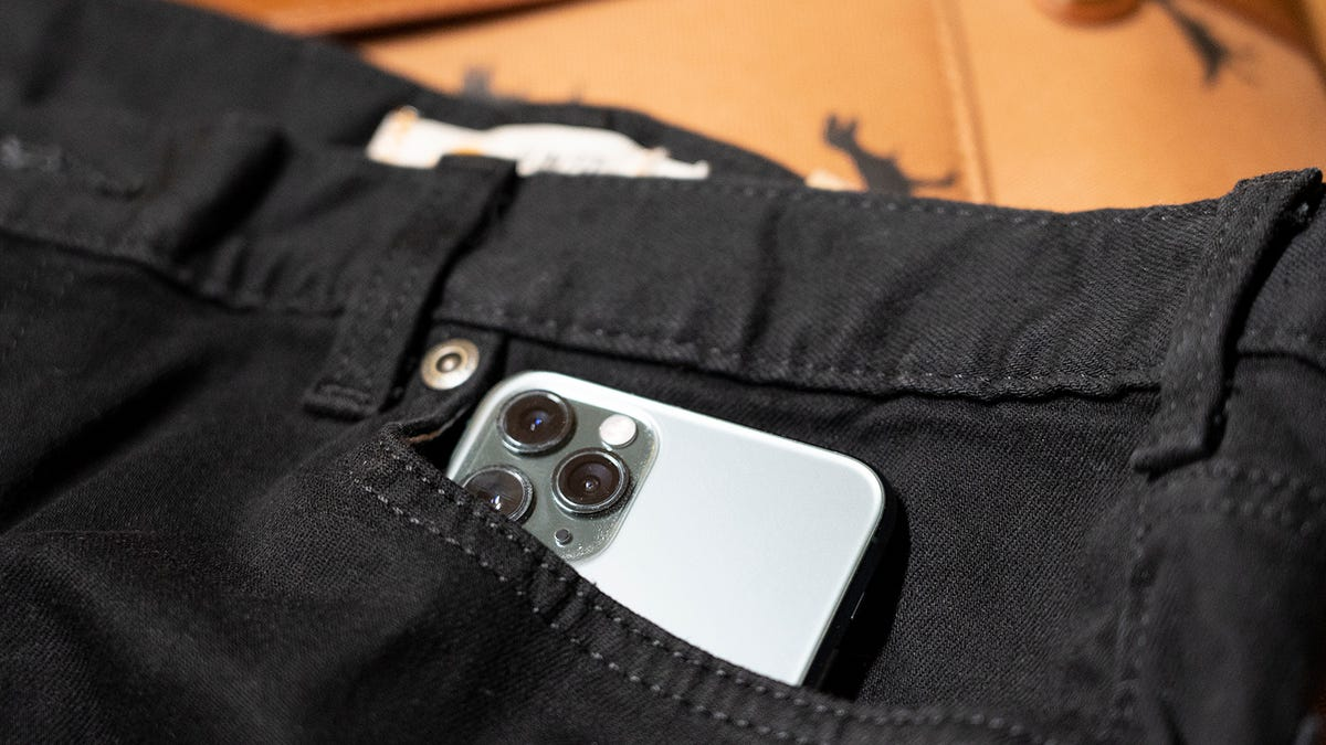 At Last, the Holy Grail: Pockets That Can Fit a Phone