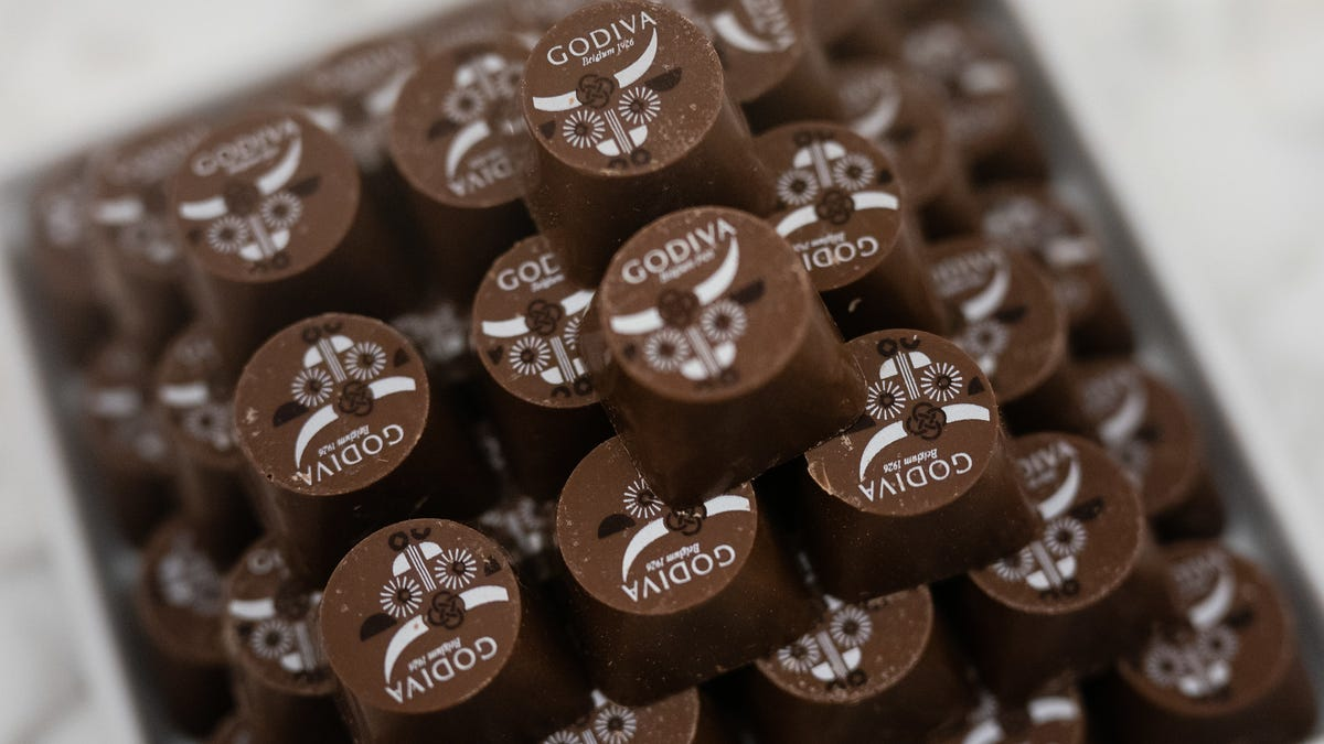 Bid a bittersweet, 73% cacao farewell to Godiva stores