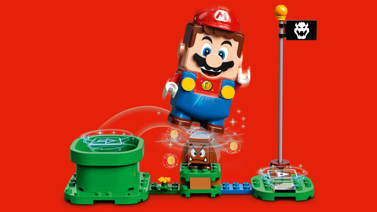 Lego's First Nintendo Set Lets You Build Playable Super Mario Levels