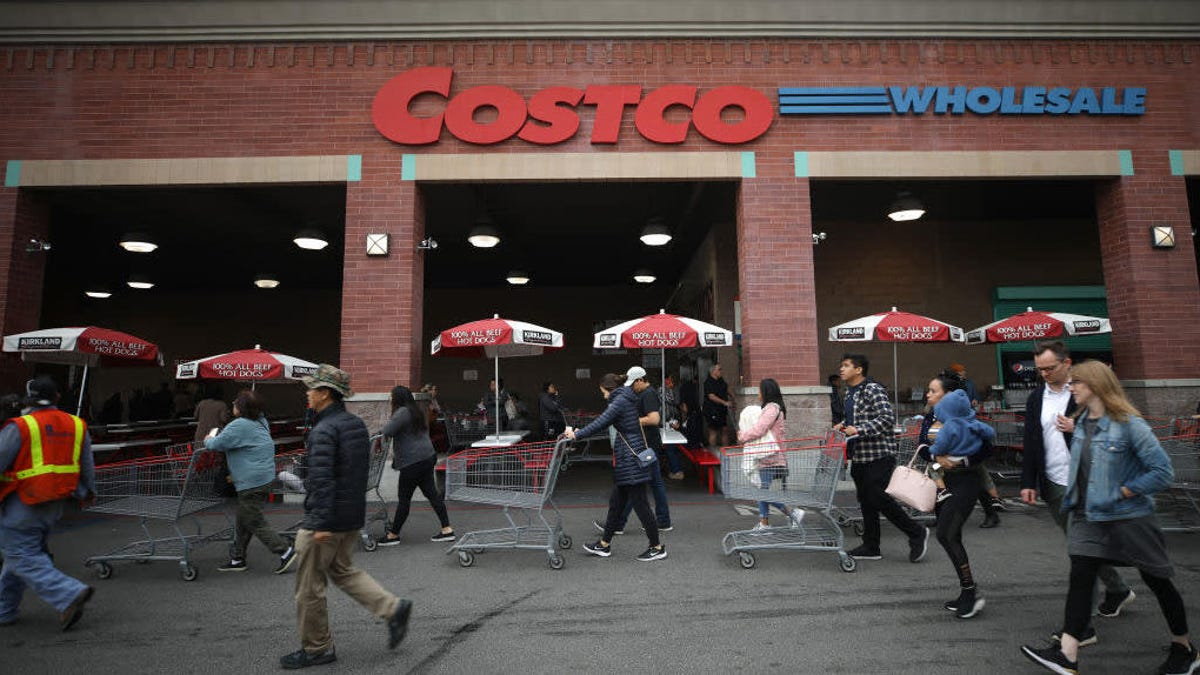 Costco plans to reopen its food courts