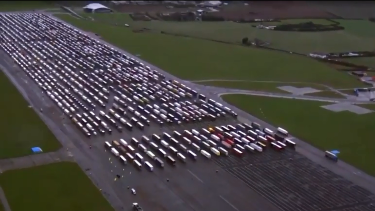 UK Airfield Becomes World's Largest Truck Stop As Drivers Remain Stuck At French Border - Jalopnik